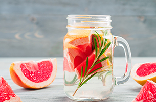 Drink Detox Water to Avoid Dehydration this Summer