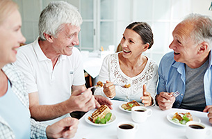 What to Know About Dining in Assisted Living Facilities