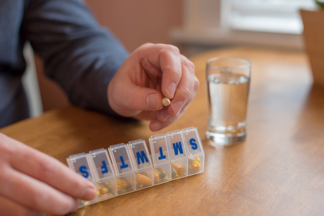 How to Manage Your Medications in Senior Years