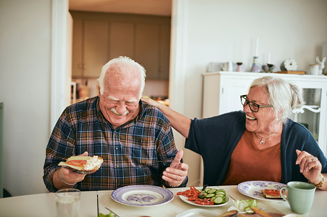 Mindful Eating: Techniques & Benefits for Seniors